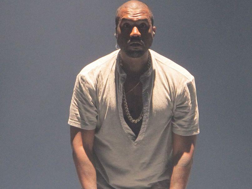 Kanye West's life, Kanye West's controversies, paparazzi Kanye West, Kanye West actions